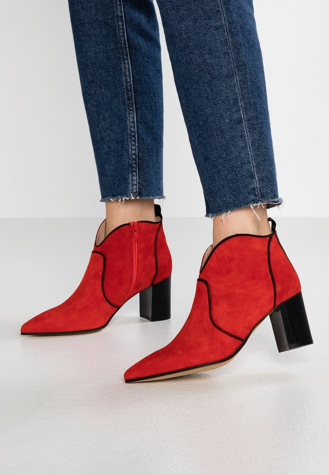 UVA - Ankle boots - red