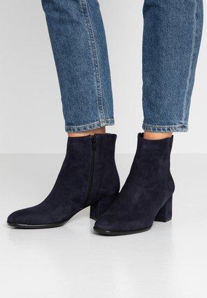 QUOLLY - Kotníkové boty - blu