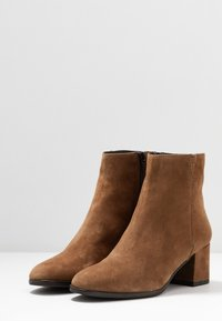 Lamica - QUOLLY - Classic ankle boots - cognac - 4