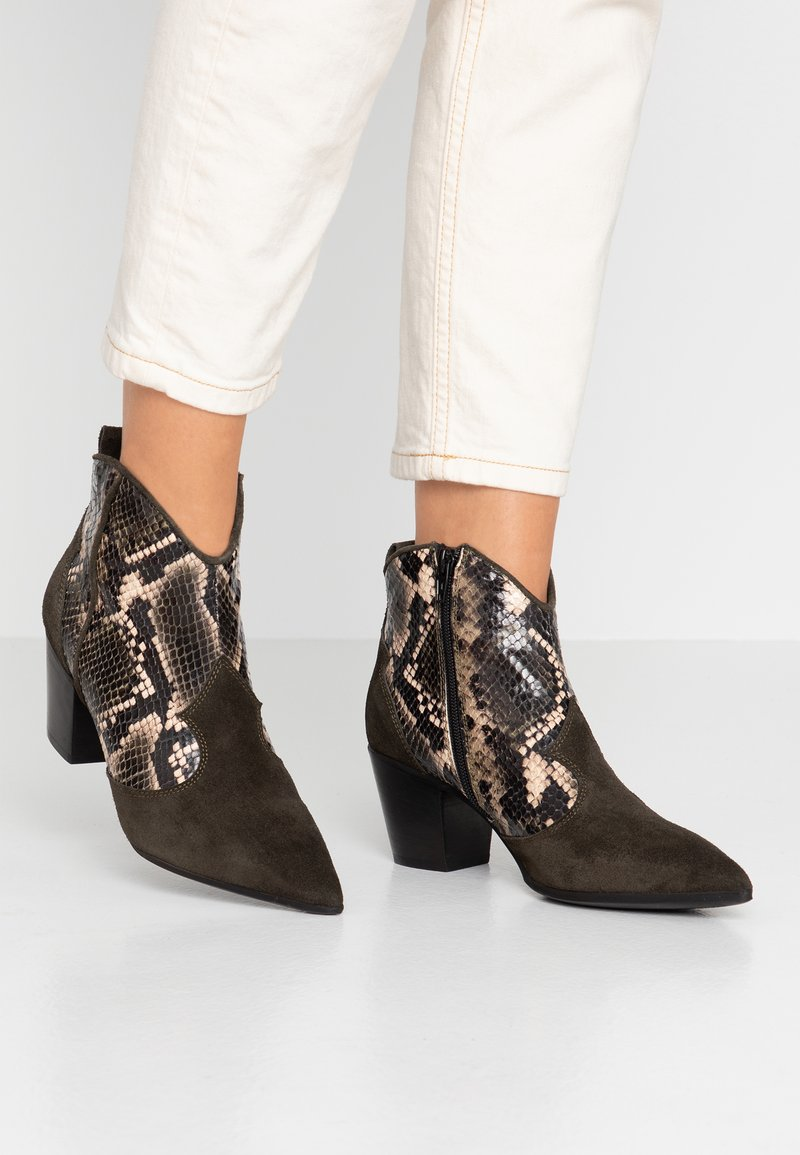 Lamica - USELE - Ankle boots - kaky/bosco