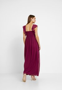 Little Mistress Maternity - NIKKI MULBERRY FRILL MAXI DRESS - Vestido de fiesta - mulberry - 2