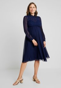 Little Mistress Maternity - SACHA LONG SLEEVE MIDI DRESS - Sukienka koktajlowa - navy - 0