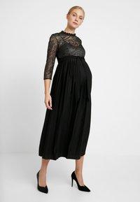 Little Mistress Maternity - GUNMETAL AND PLEATED HEM DRESS - Robe de cocktail - black - 0