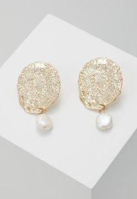 Leslii - Earrings - gold-coloured - 0