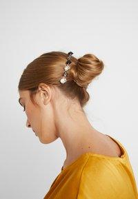 Leslii - Příslušenství kvlasovému stylingu - gold-coloured - 1