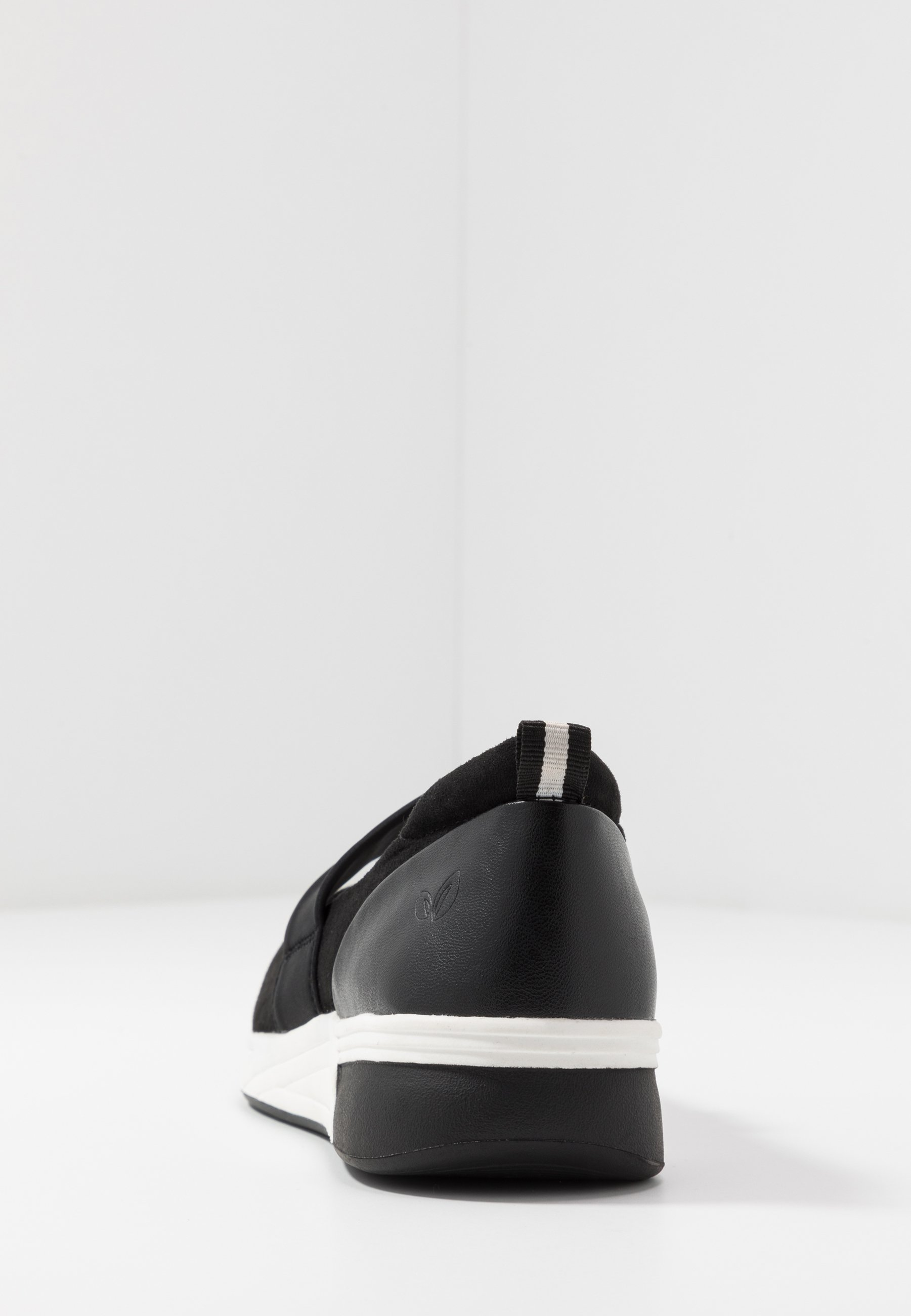 LOVE OUR PLANET by MARCO TOZZI Ballerinaskor med remmar - black