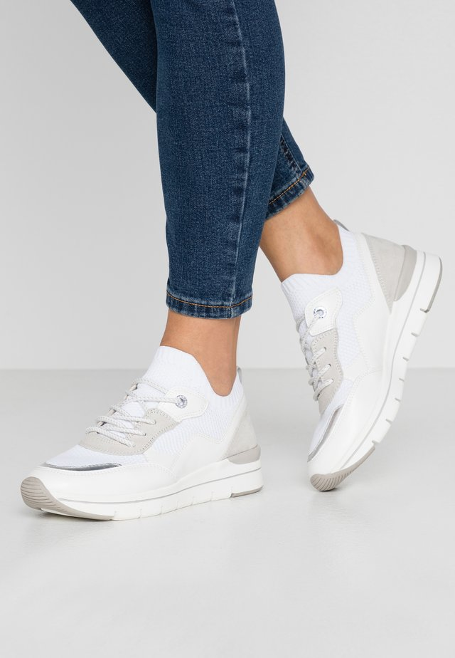Trainers - white/light grey
