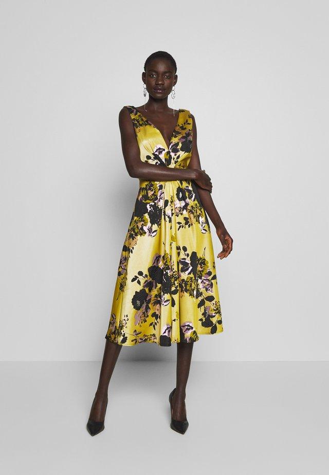 Sukienka koktajlowa - yellow
