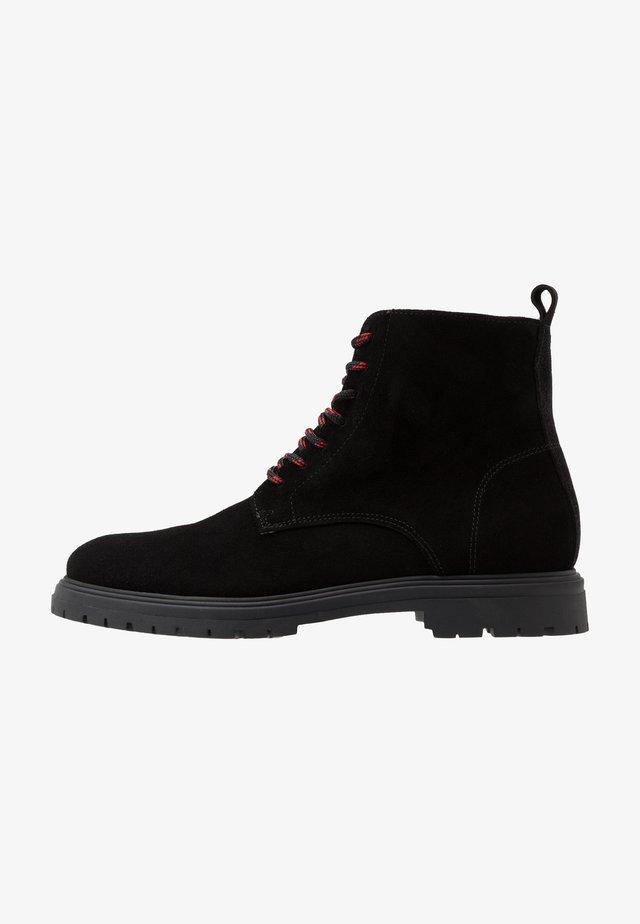 CAIO - Šněrovací kotníkové boty - black