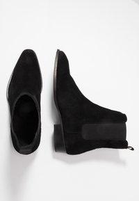 LAST STUDIO - FACHNAN - Classic ankle boots - black - 1