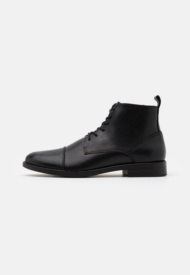 VELVEL - Šněrovací kotníkové boty - black