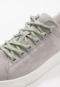 LAST STUDIO - CHARLES - Sneakersy niskie - grey - 6