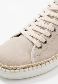 LAST STUDIO - AHMAD - Sneakers basse - beige - 5