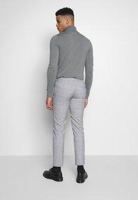 Limehaus - WINDOWPANE SUIT - Kostuum - grey - 5