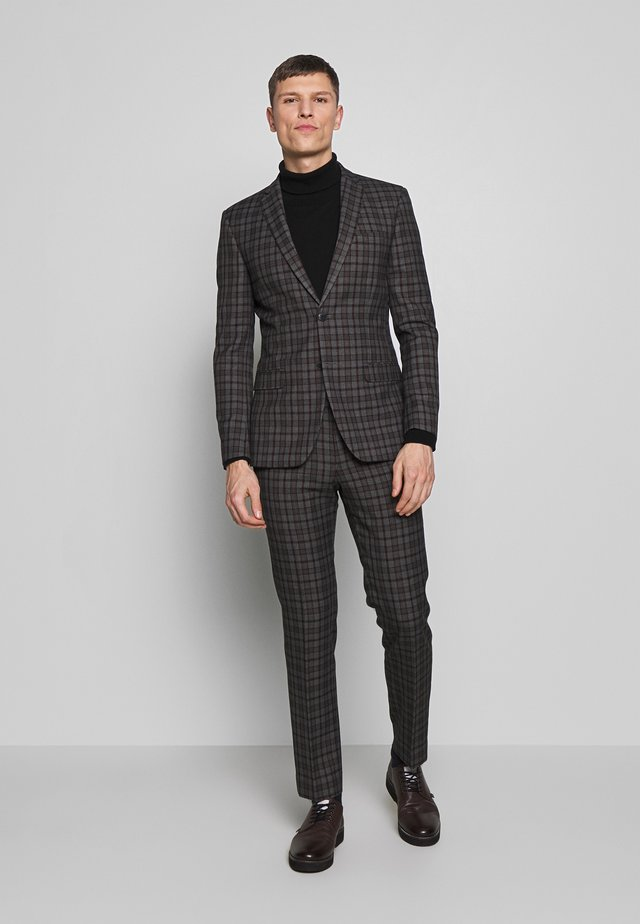OVERCHECK SUIT - Suit - grey
