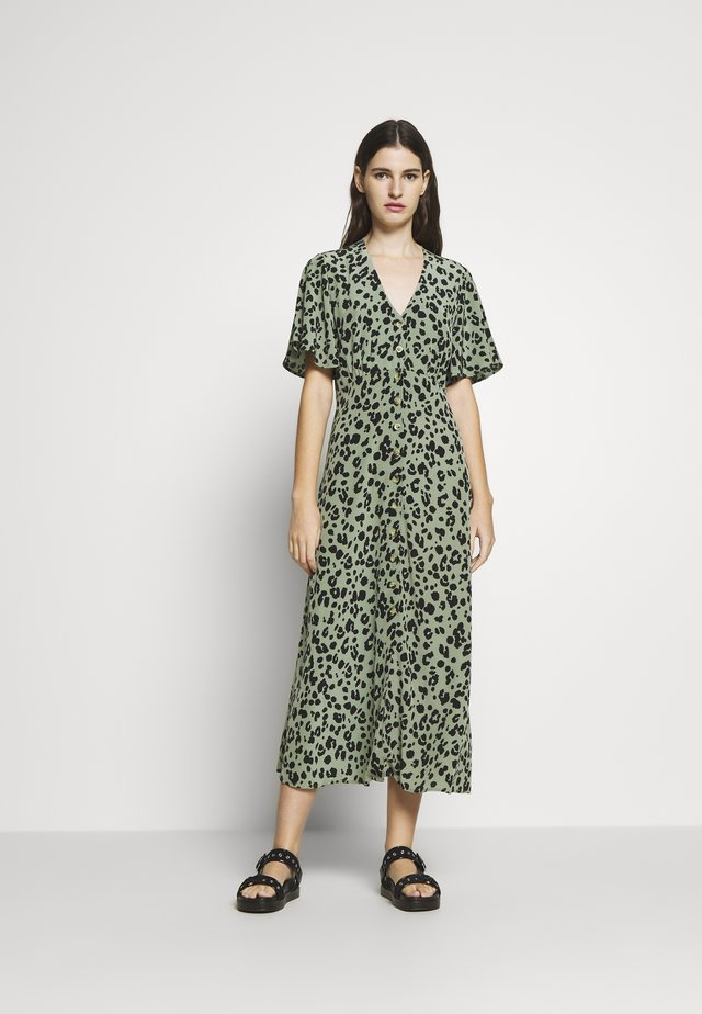 LOLA DRESS SHORTSLEEVE - Maxi dress - light green