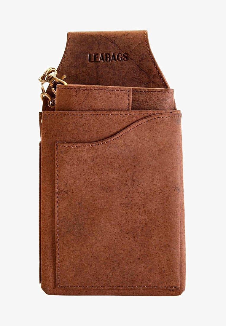 Leabags - RIVERSIDE - Wallet - brown