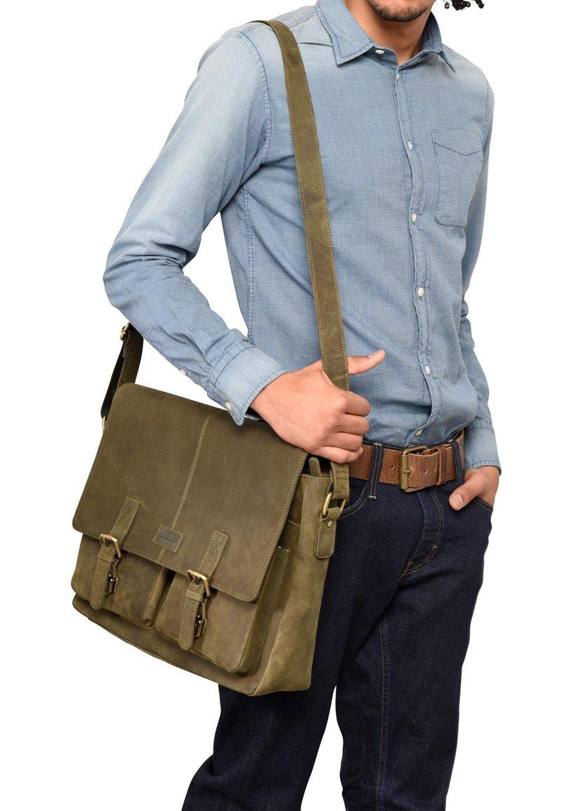 Leabags - CAMBRIDGE - Across body bag - olive