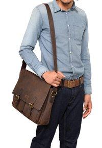 Leabags - CAMBRIDGE - Across body bag - mottled brown - 0