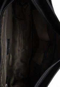 Leabags - CAMBRIDGE - Across body bag - black - 3