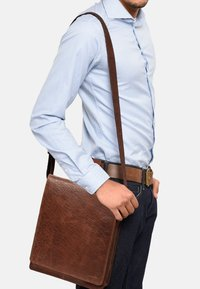 Leabags - LONDON - Across body bag - brown/brown - 1