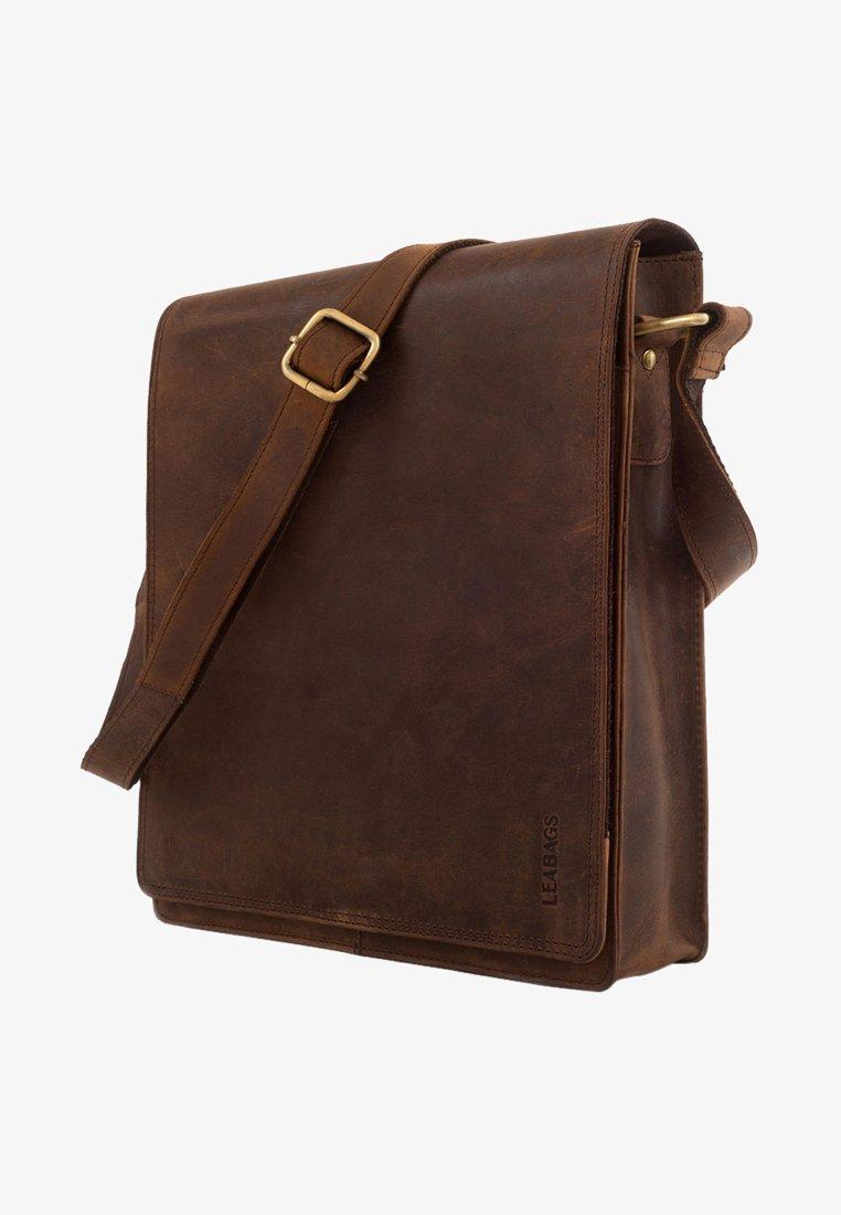 Leabags - LONDON - Across body bag - light brown