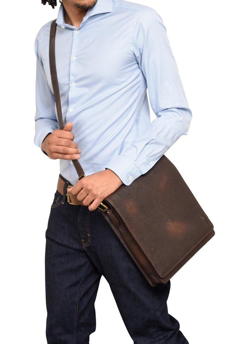 Leabags - LONDON - Across body bag - cooper brown