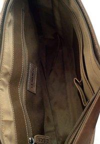 Leabags - OXFORD - Across body bag - light brown - 3