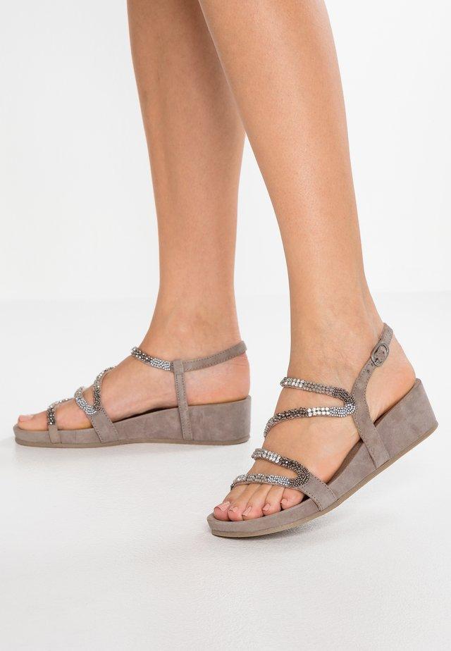 Wedge sandals - porcini
