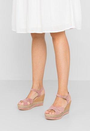 Korolliset sandaalit - rosa