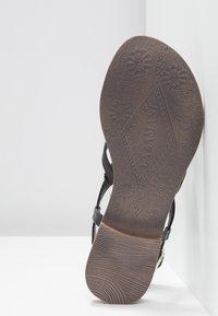 Lazamani - T-bar sandals - black - 6