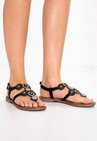 Lazamani - T-bar sandals - black - 0