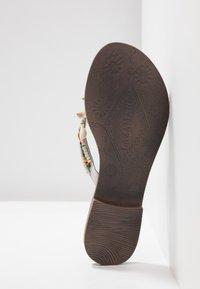 Lazamani - T-bar sandals - white - 6