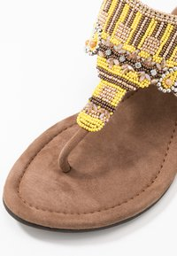 Lazamani - T-bar sandals - yellow - 2