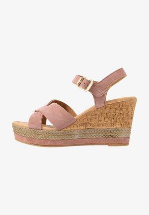 Sandály na vysokém podpatku - rosa
