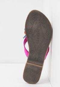 Lazamani - T-bar sandals - fuxia - 6