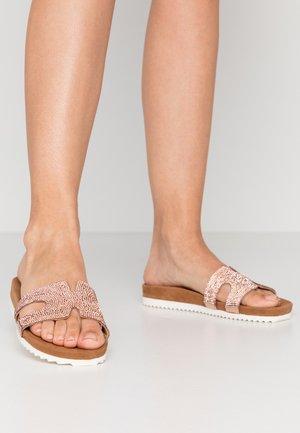 Pantofle - peach