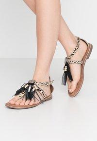 Lazamani - Sandály s odděleným palcem - dalmatian - 0