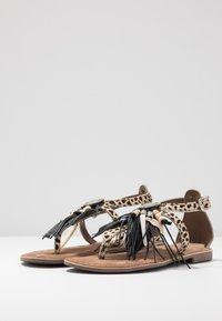 Lazamani - Sandály s odděleným palcem - dalmatian - 4