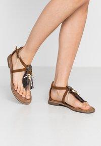 Lazamani - T-bar sandals - cognac - 0
