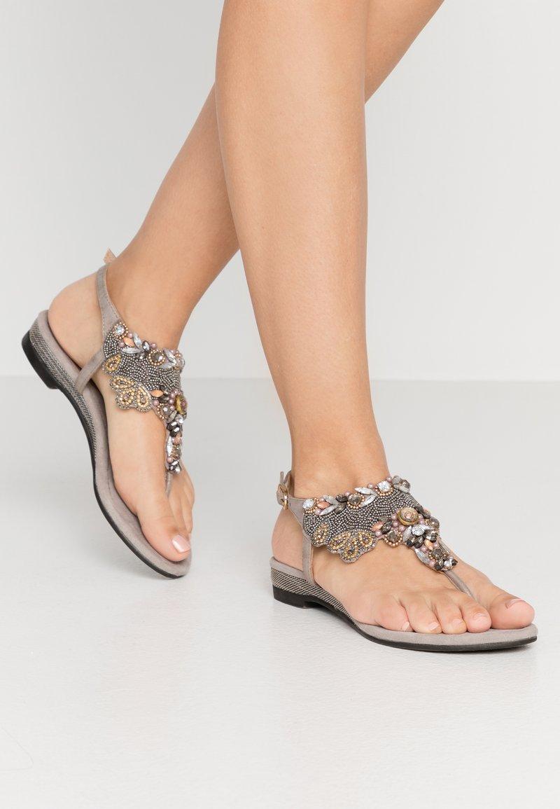Lazamani - Sandály s odděleným palcem - porcini