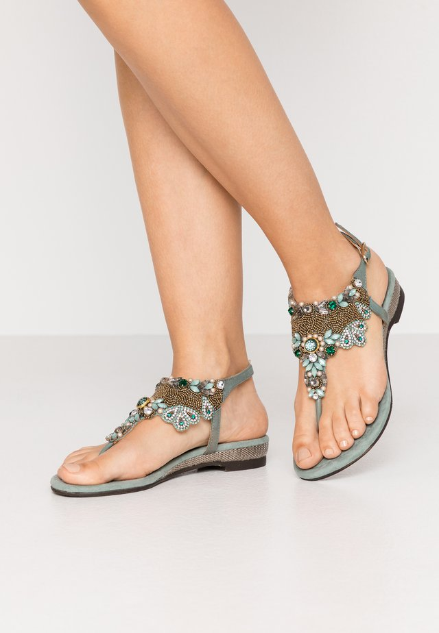 Sandaler m/ tåsplit - sage