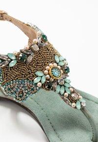 Lazamani - Sandály s odděleným palcem - sage - 2
