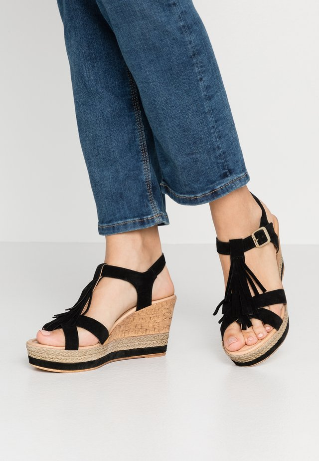 High heeled sandals - nero