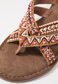 Lazamani - T-bar sandals - tan - 2