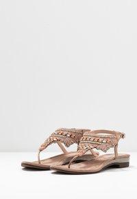 Lazamani - Sandály s odděleným palcem - nude - 4