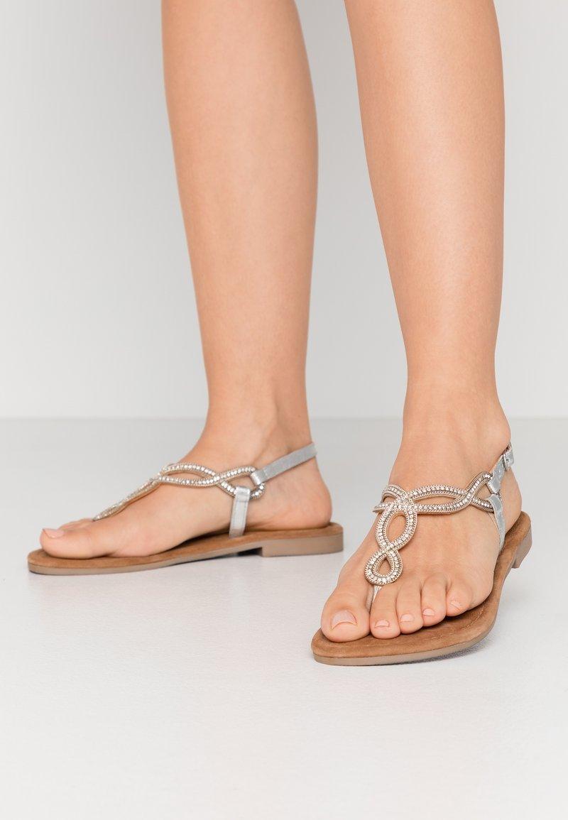 Lazamani - T-bar sandals - silver