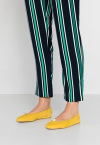 L37 WIDE FIT - LAGOON WIDE FIT - Baleríny - yellow - 0