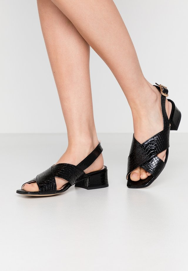 COME & GO - Sandals - black