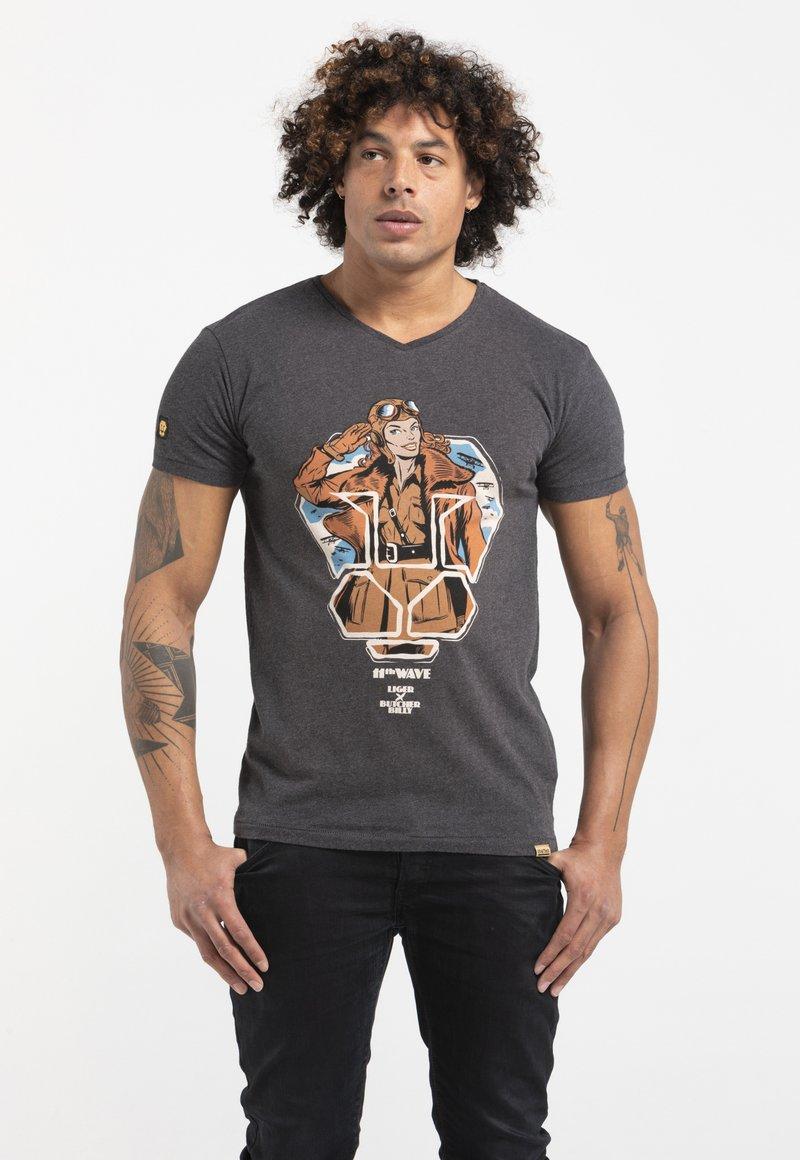 Liger - LIMITED TO 360 PIECES - BUTCHER BILLY - AVIATOR - Print T-shirt - dark heather grey melange
